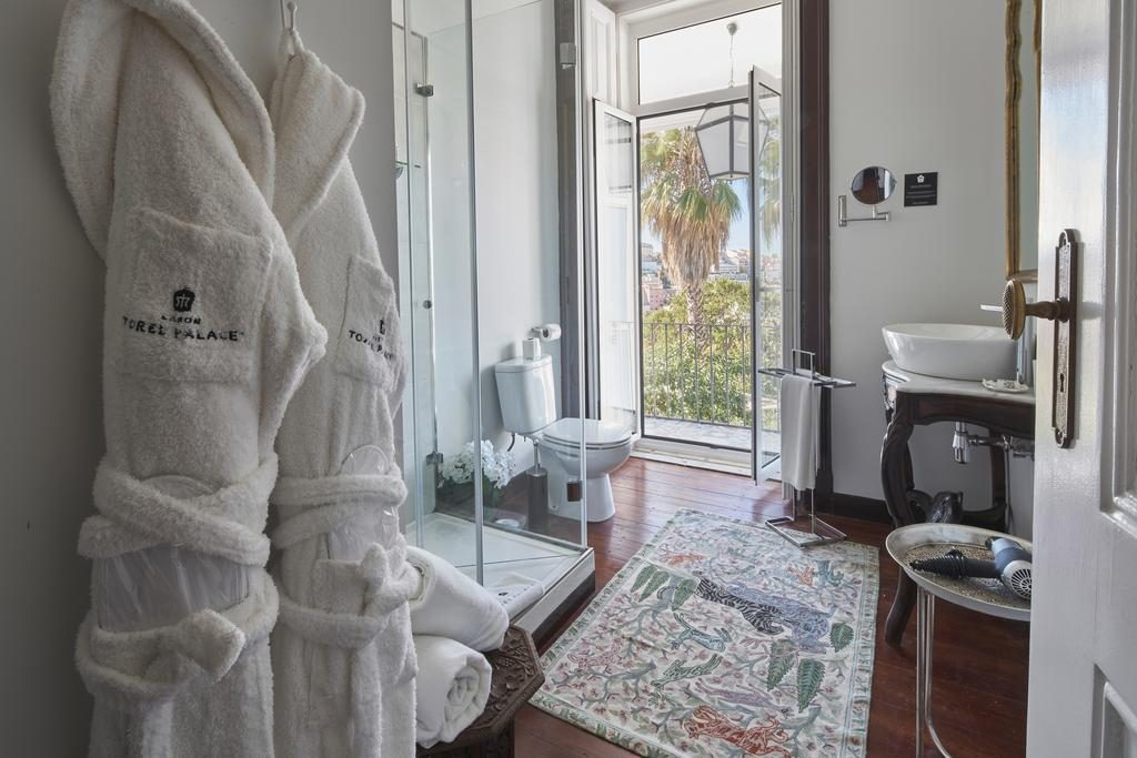 Hotel Romantique Torel palace Lisbonne salle de bain